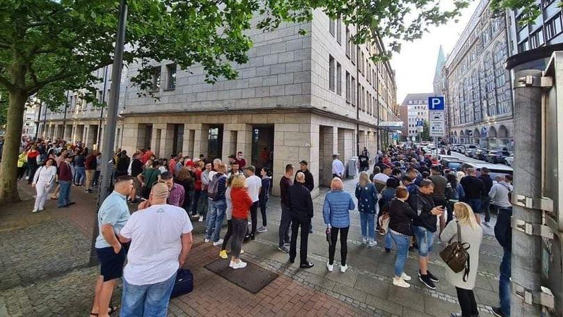 Diaspora din Germania iese masiv la vot: Cozi mari la Hanovra și Bremen