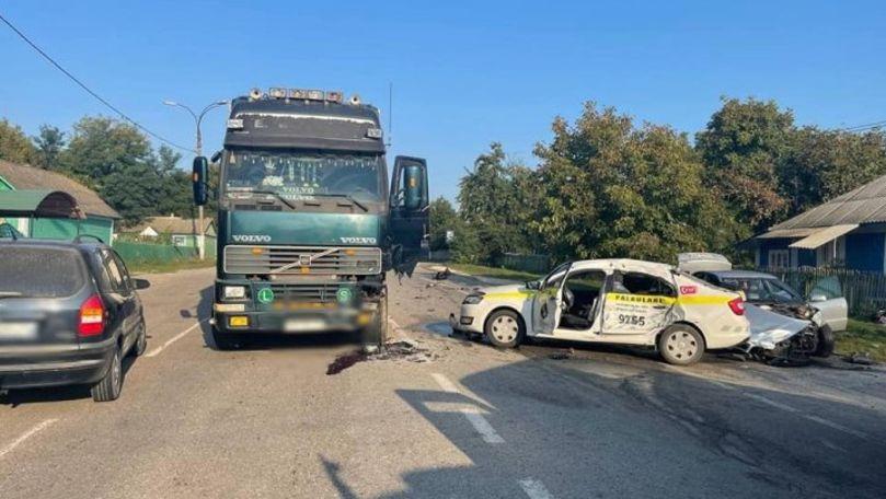 Mașina Poliției, lovită de Audi și aruncată spre un TIR: Primele imagini