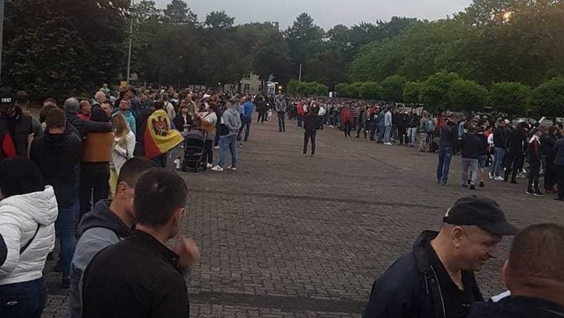 Diaspora votează: Cozi imense la Frankfurt, surprinse în zori de zi