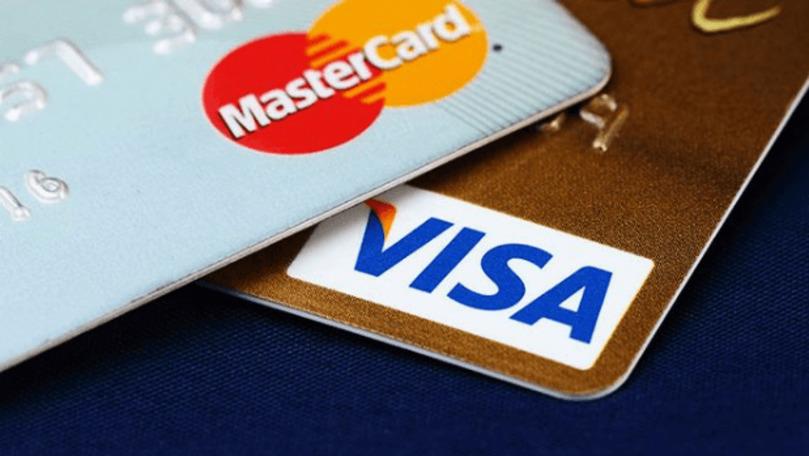Veniturile moldovenilor înregistrate pe cardurile bancare, în creștere
