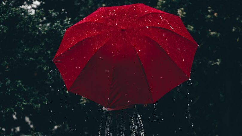 Alertă meteo: Cod Galben de ploi cu fulgere și grindină în R. Moldova