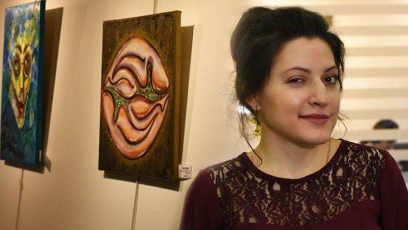 Cum o tânără pictoriţă din Moldova a reuşit să cucerească Parisul cu lucrările sale