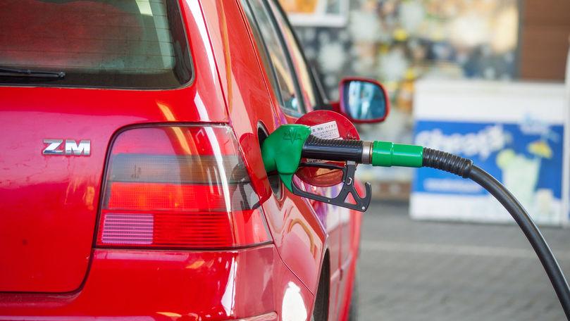 Benzina s-a scumpit a doua zi consecutiv: Prețuri afișate duminică