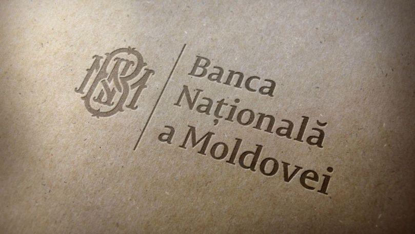 Experți: BNM încearcă să susțină economia, oferindu-i mai mulți bani
