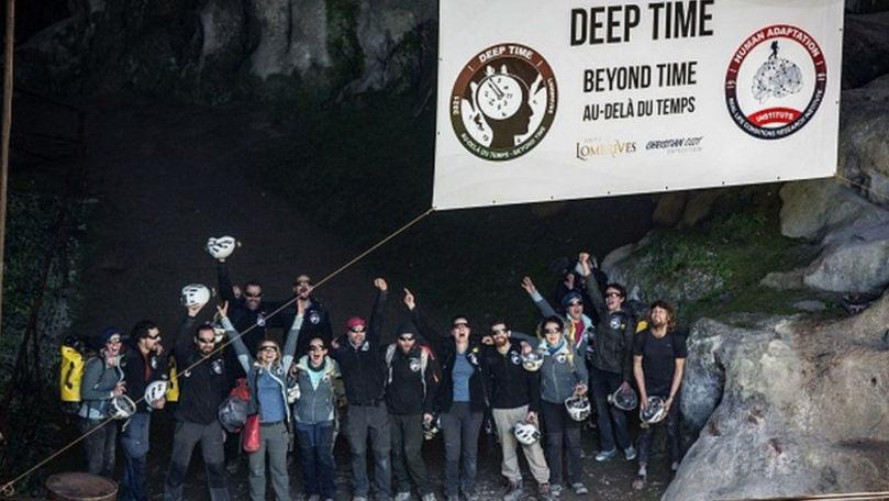 15 voluntari din Franța s-au izolat pentru 40 de zile într-o peșteră
