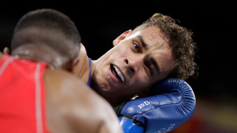 JO 2020: Un boxer, descalificat după ce a încercat să-şi muşte adversarul de ureche