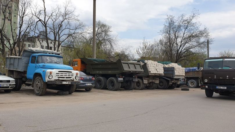 Camioanele cu materiale de construcție de pe strada Calea Basarabiei, ilegale
