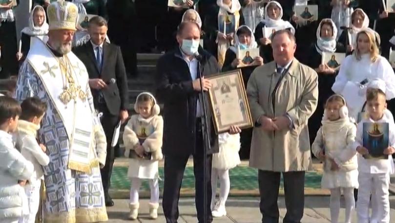 Hramul Chișinăului: Patriarhul Kiril l-a decorat cu diplomă pe Ion Ceban