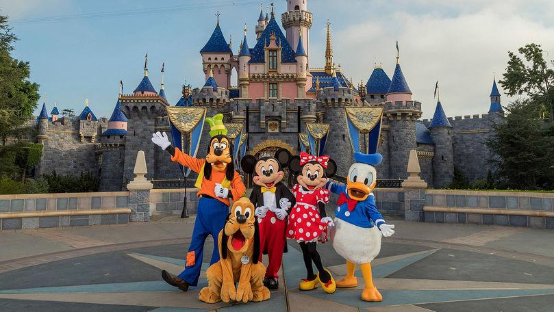 Un parc Disneyland din SUA va deveni centru de vaccinare anti-COVID-19