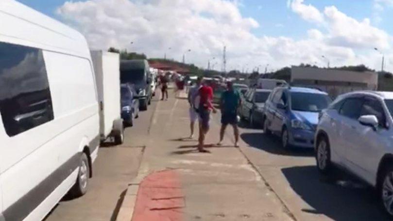 Cozi imense, filmate la intrarea în România: De ce moldovenii fac cale întoarsă