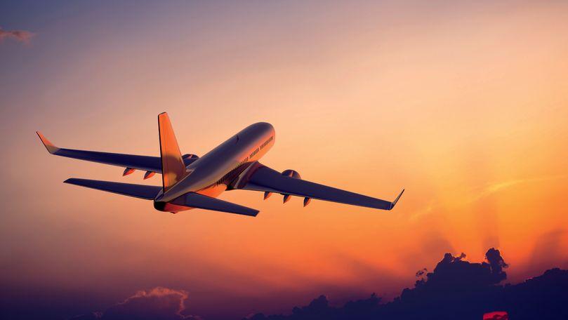 IATA: Traficul internaţional de pasageri a scăzut cu 89% în februarie