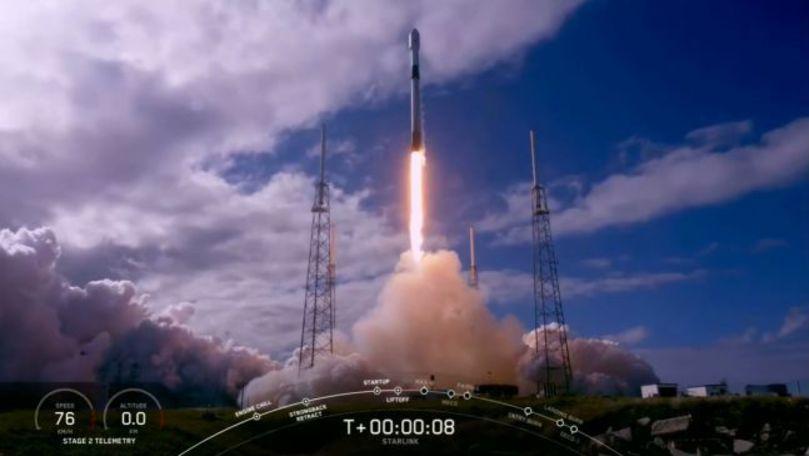 SpaceX a lansat peste 1.000 de sateliţi pentru internet de mare viteză