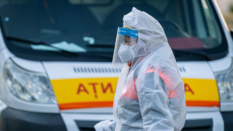 Lucrători medicali infectați, fără indemnizația de 16.000 de lei