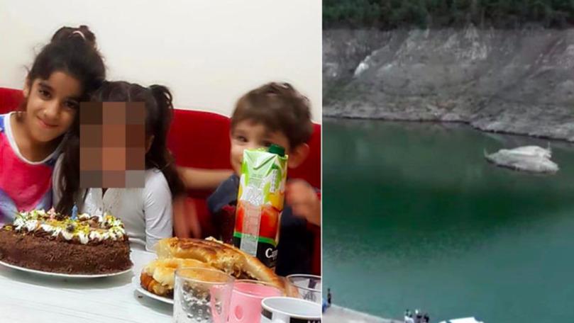 Băiețel de 3 ani înecat pe fundul unui lac, ținând-o de mână pe sora lui