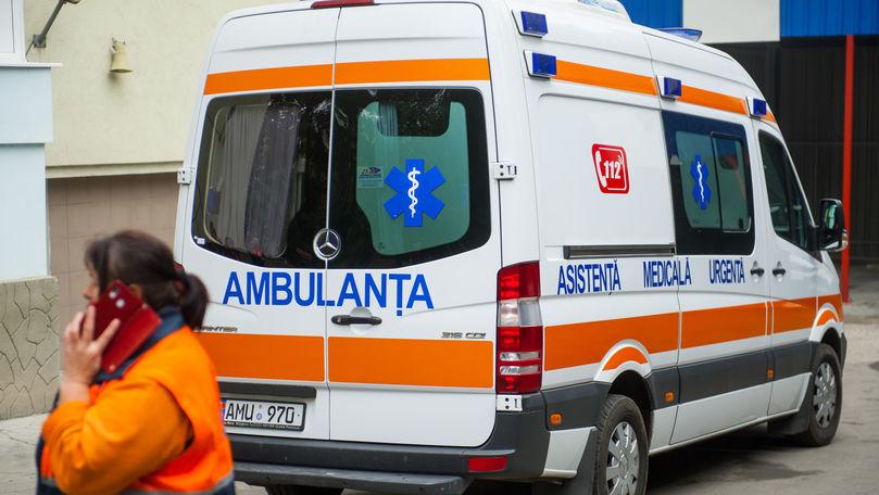 Peste 14.000 de apeluri la 112: Două femei au născut în ambulanță