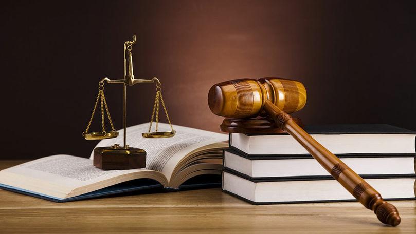 Experți: Volumul mare de muncă al instanțelor e obstacol pentru justiție