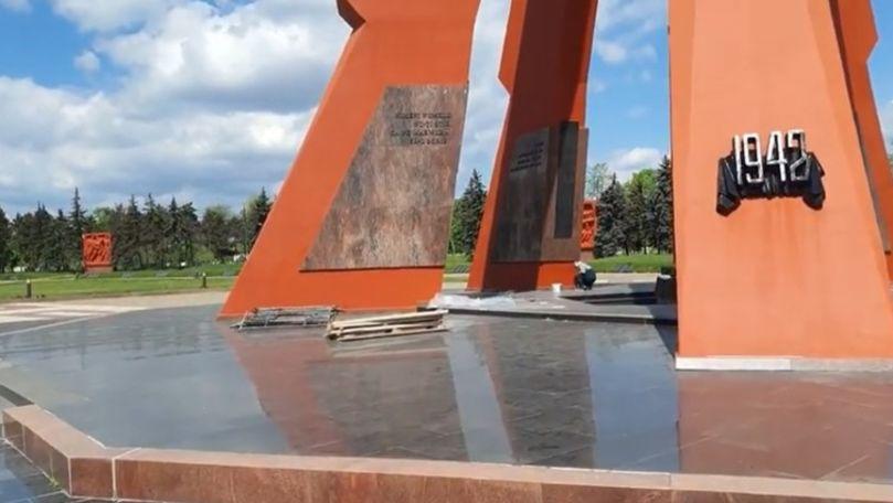 Țîcu: Dodon repară un monument, dar spune că nu sunt bani pentru alegeri