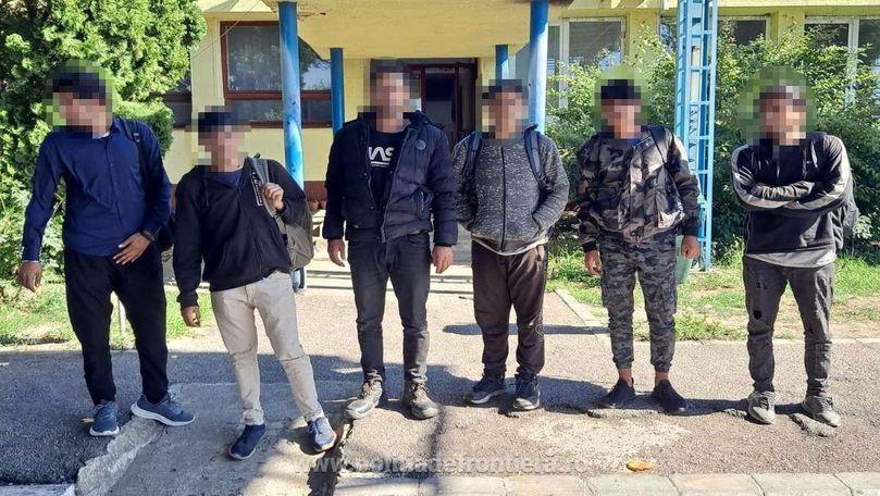 Un moldovean împreună cu un bulgar au ascuns în camioanele lor 8 afgani