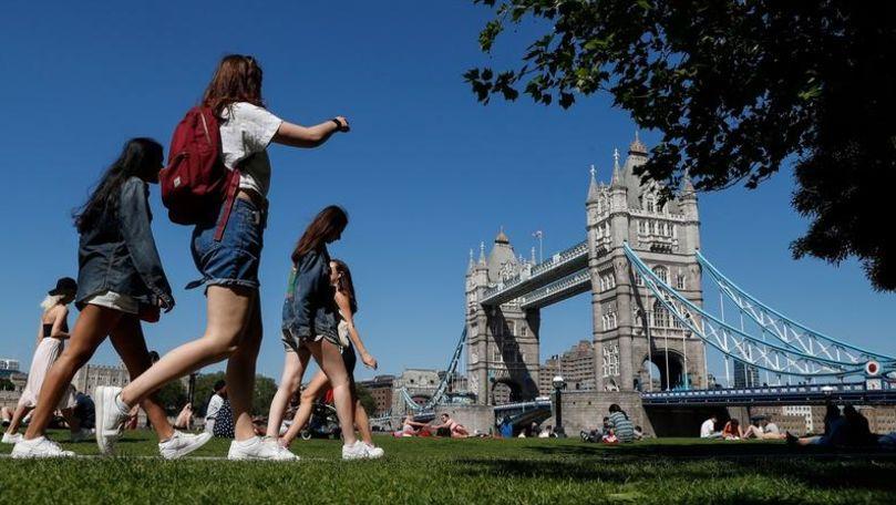 Marea Britanie ridică restricțiile: E timpul să revenim la o viață normală