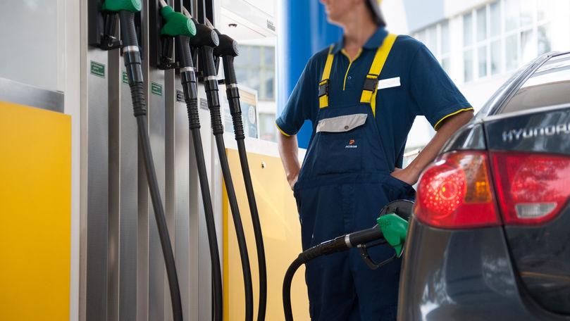 ANRE: Prețul mediu de import al carburanților s-a majorat cu 20-25%