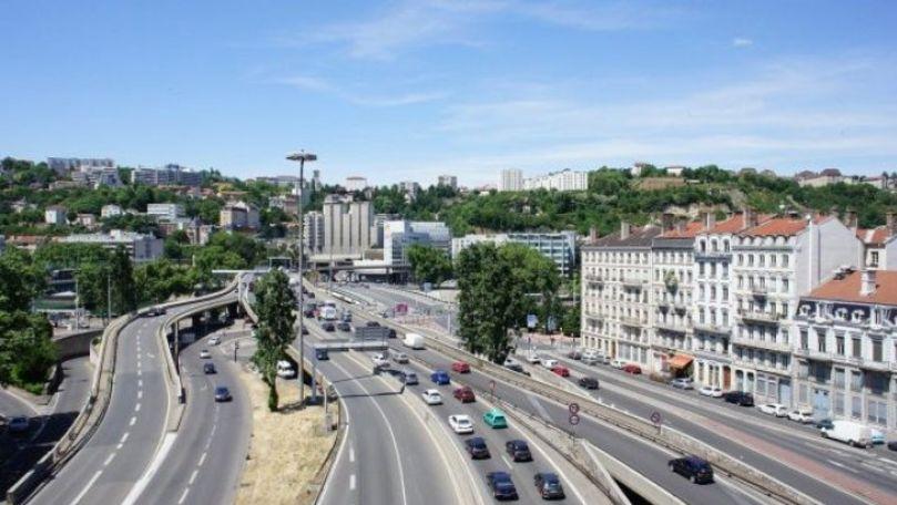 Oraşul care limitează viteza în oraş la 30 km/h începând din primăvară