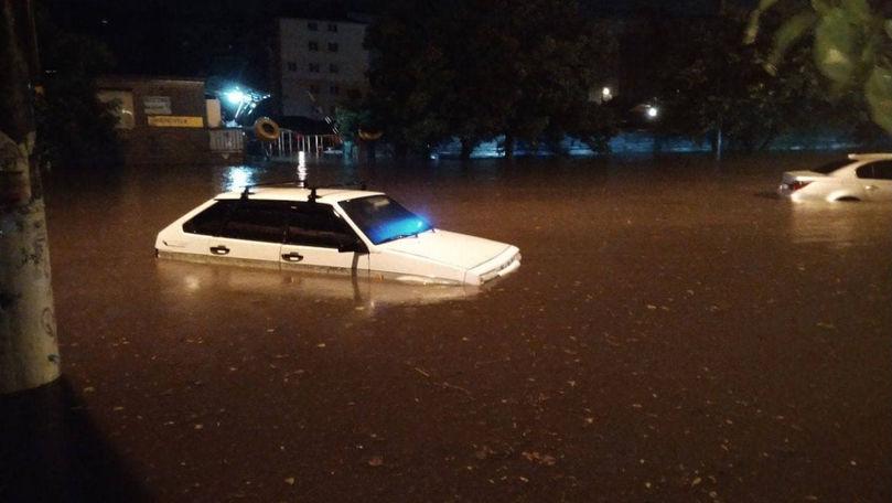 Ploi abundente la Odesa: Traficul terestru și aerian, deviat