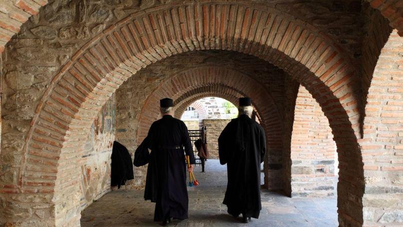 Muntele Athos, focar de COVID: Peste 1.000 de călugări au fost infectați