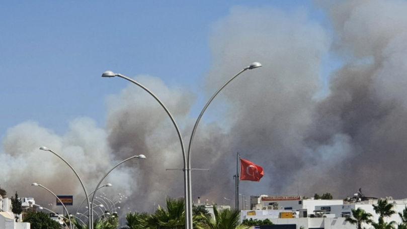 Turiști panicați, hoteluri evacuate în Bodrum: Stațiunea, amenințată de un incendiu