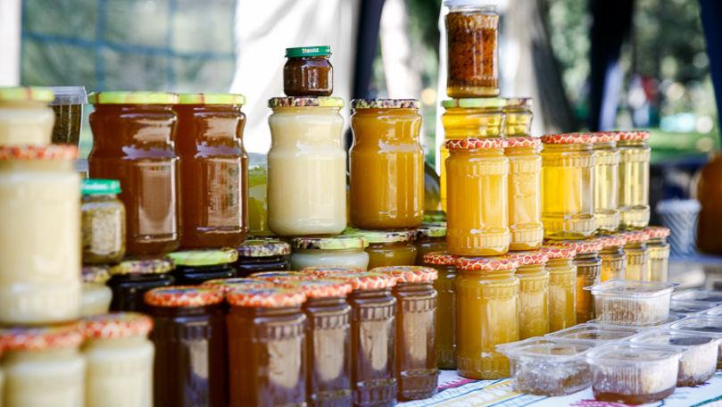 Obstacole la comercializarea mierii: Apelul apicultorilor din Moldova