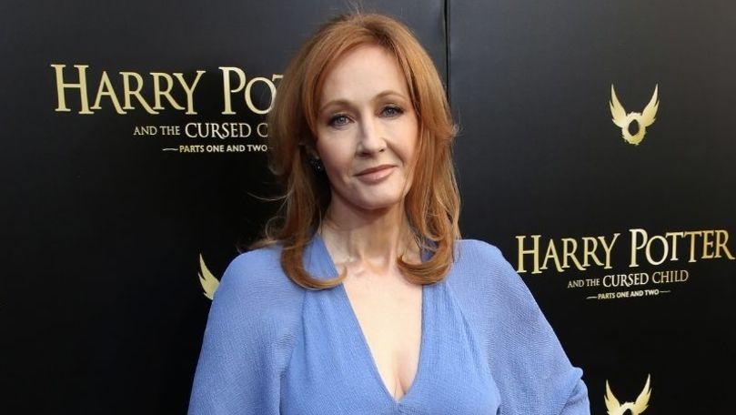 J.K. Rowling va publica un roman care se adresează tinerilor cititori