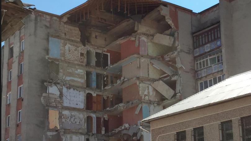 Locatarii celui de-al doilea bloc de la Otaci au fost evacuați