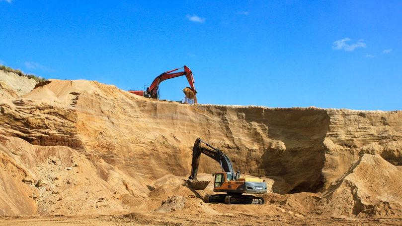 Un bărbat a murit după ce un mal de nisip a căzut peste el la Ștefan Vodă