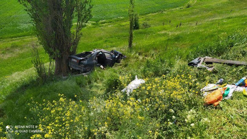 Mașină intrată în copac la Cahul: 3 răniți și 2 morți, inclusiv un copil