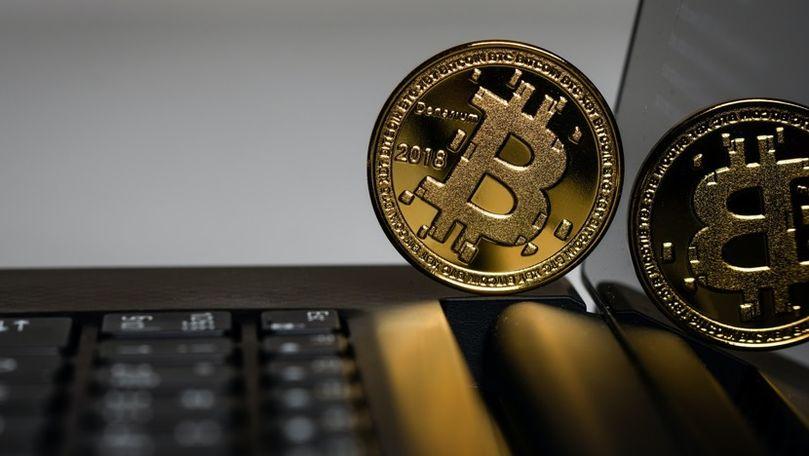 Bitcoin este în cădere: Aproape 170 de miliarde de dolari au dispărut