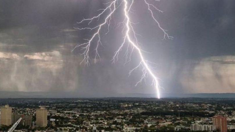 Meteo 6 iulie 2021: Cod Galben de ploi cu fulgere. Maximele prognozate