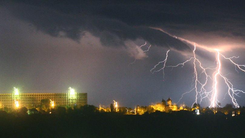 Alertă meteo: Cod Galben de ploi cu fulgere și vijelie în toată ţara