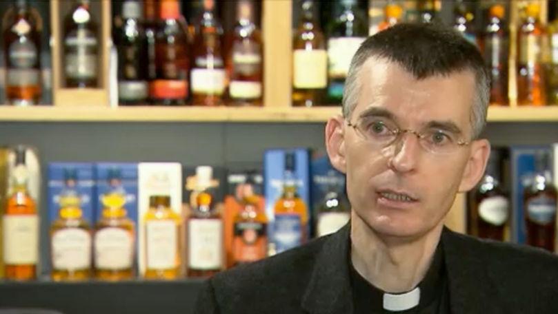Inițiativă neobișnuită: Cum a decis un preot catolic să câștige enoriași