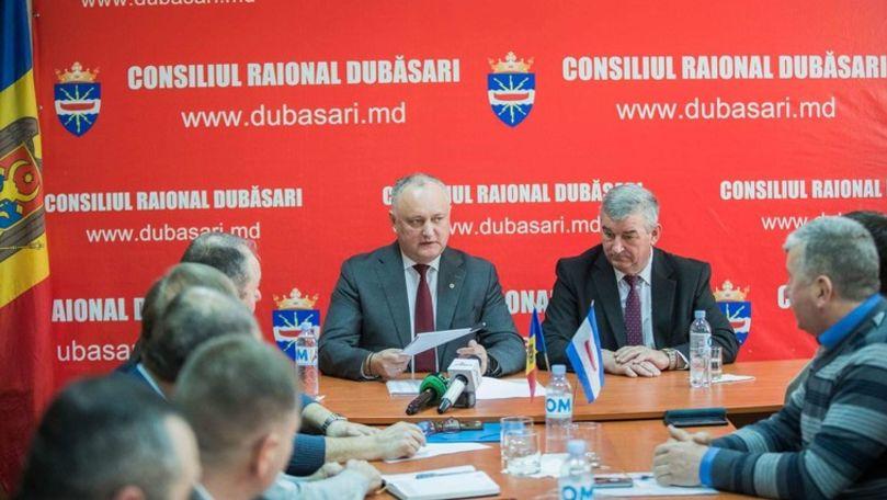Consilierii care l-au suspendat din funcție pe cumătrul lui Dodon, citați la CNA
