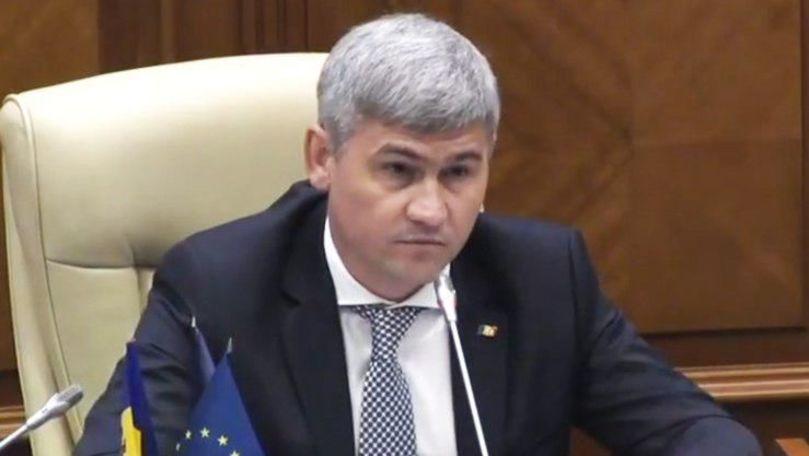 Jizdan a comentat filmulețul în care împușcă din Kalașnikov cu Usatîi