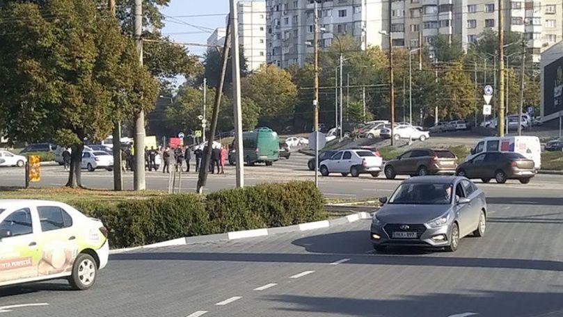 Taximetriștii din Chișinău, verificați de ANTA, INP și Fisc