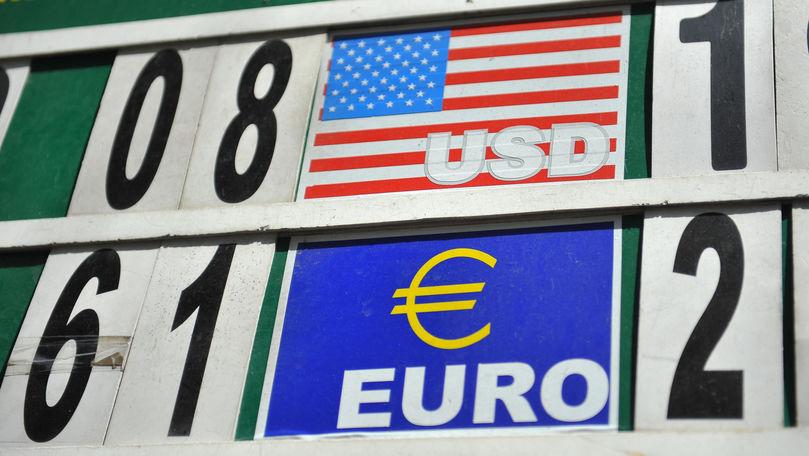 Curs valutar 12 august 2021: Cât valorează un euro și un dolar