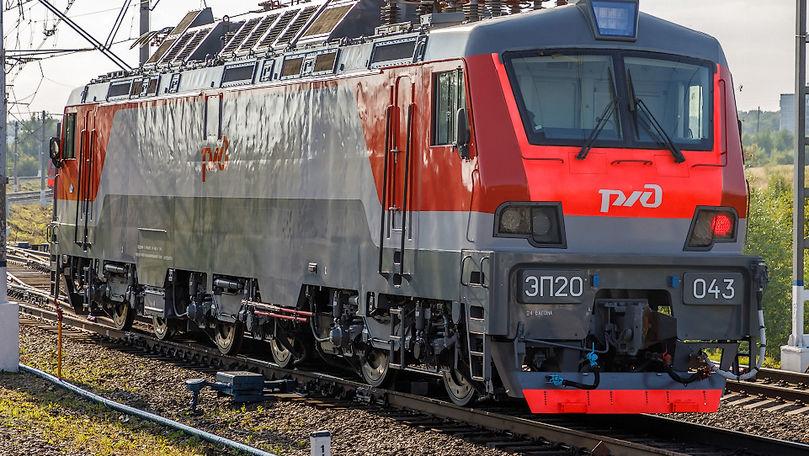 Un tânăr moldovean de 30 de ani s-a aruncat sub un tren electric în Rusia