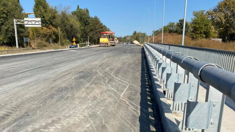 Spînu spune când ar putea fi finalizată construcția podului peste Bâc