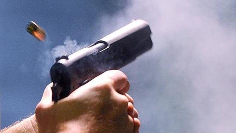 Focuri de armă în suburbia Chișinăului: Bărbatul ar fi fost beat criță