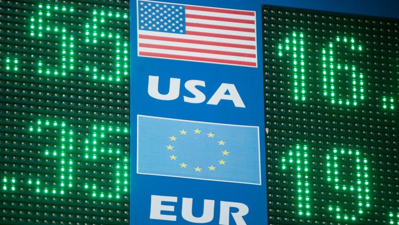 Curs valutar 21 iulie 2021: Cât valorează un euro și un dolar