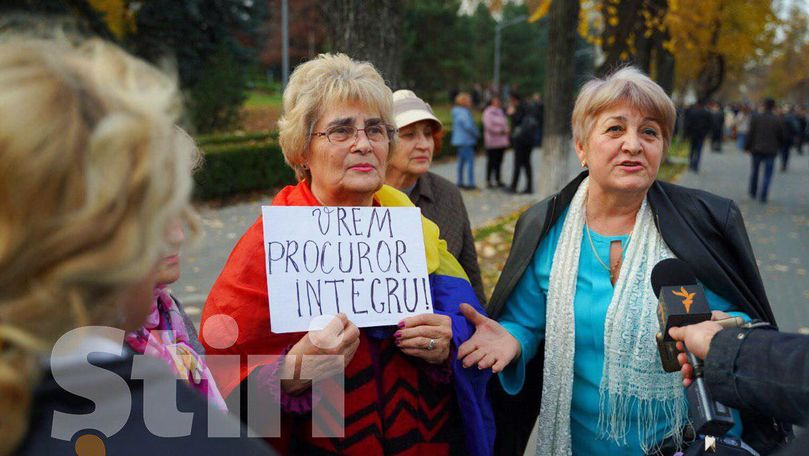 Protest la Parlament în susținerea Guvernului Sandu și a justiției libere