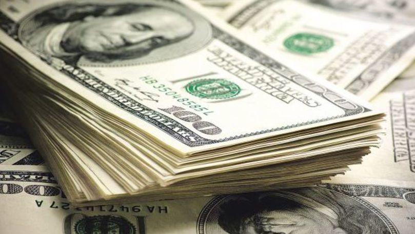 O familie a pierdut 2.500 de dolari în centrul Chișinăului