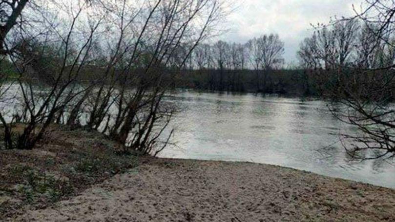 Cadavrul unui minor dispărut de o lună a fost găsit în Nistru