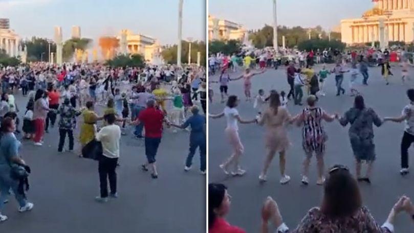 Moldoveni, adunați în centrul Moscovei: Au încins o horă de 2 kilometri