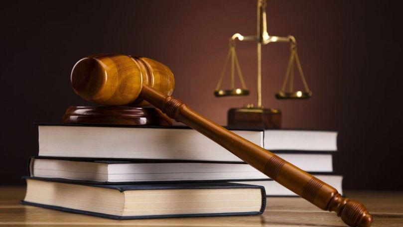 Furtul miliardului: Dosarele, examinate de 2 complete de judecători